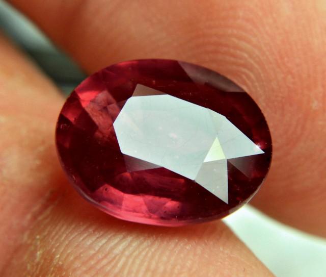 Original Natural Ruby weighing 9.30 carats (10.33 ratti) from Myanmar (Burma)
